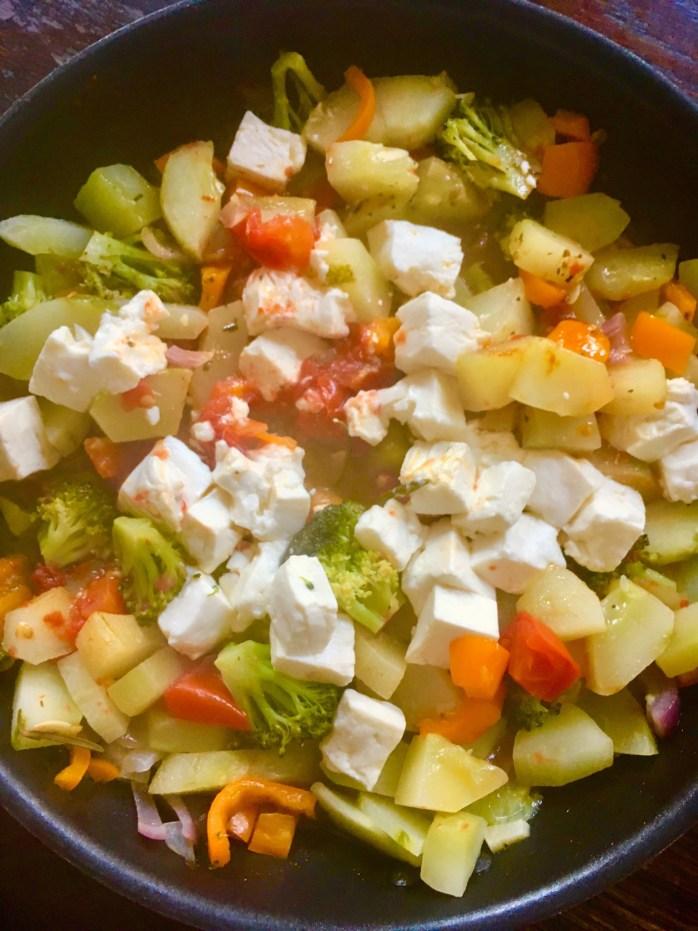 Rezept für gemüsepfanne mlt schmorgurken Tomaten und fest - sommerlich leichtes Gericht mit Reis oder bulgur