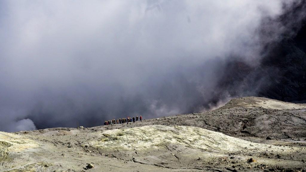 White Island, krawędź krateru