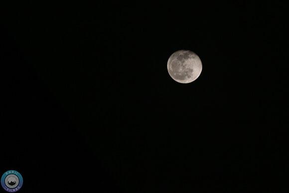 拍月亮夜景