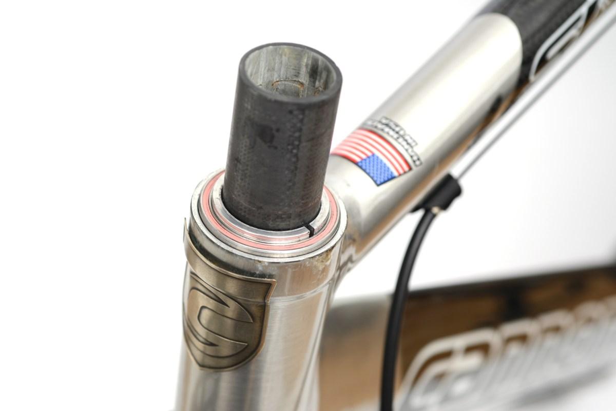 コラムのヘッドパーツ「FSA Carbon Top Cover(カーボントップカバー)」交換とベアリングのグリスアップ編
