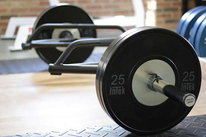 Intek Functional Trap Bar with Intek Bravo Bumper plates