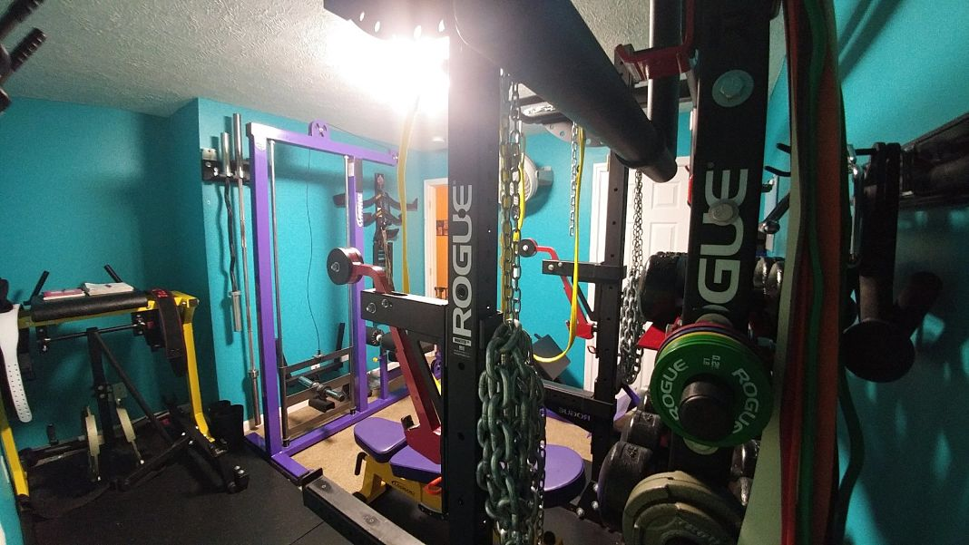 Step into this powerlifting family s badass home gym garage gym lab