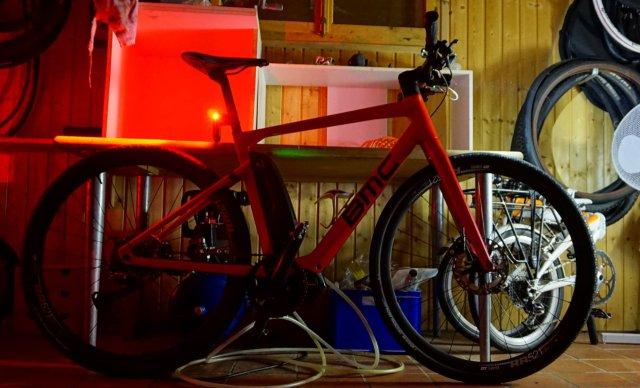 BMC Alpenchallenge Amp Sport LTD mit Beleuchtung