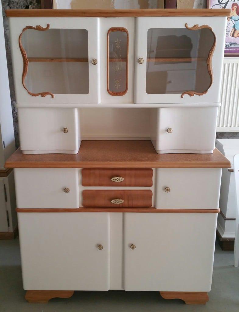 50er Jahre Küchenbuffet, alter Küchenschrank - Garagenmoebel Küchenbuffet, alte