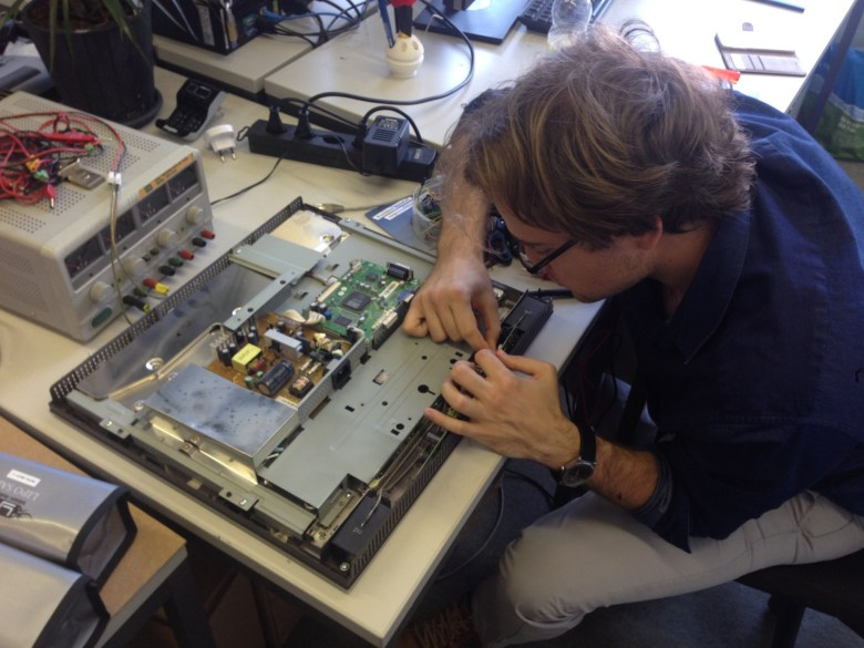 Raspberry Pi 3 based workstation