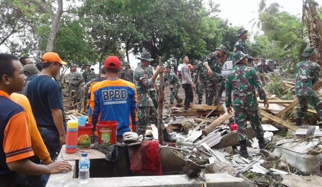 Tsunami Selat Sunda,Hingga 24/12: 281 Meninggal, 1.016 Luka & 57 Orang Hilang