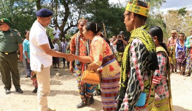Resmikan Sarana Air Bersih, Gubernur VBL Dorong Pariwisata di Desa Pusu-TTS