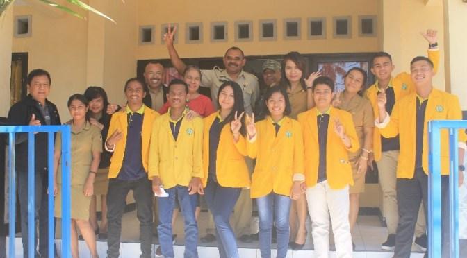 Mahasiswa KKN Undana di Kelurahan Tode Kisar Dorong Budaya Gotong Royong