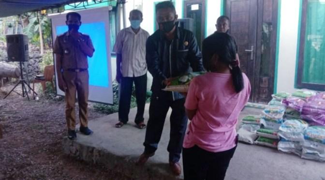 Saat Pandemi, Politisi Muda PSI Kota Kupang Yefta Sooai Bantu 83 Warga Oeba