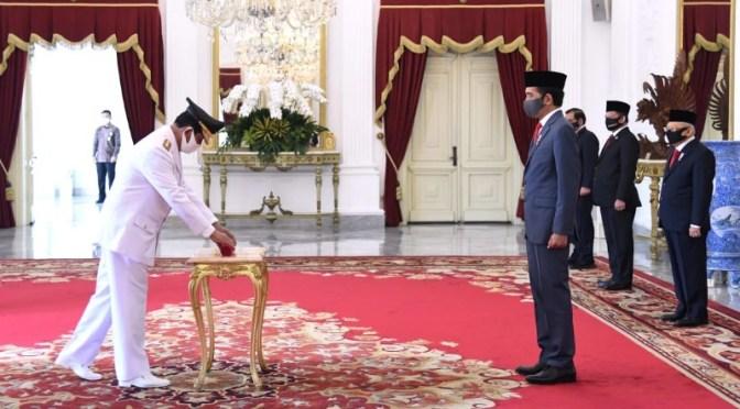 Presiden Lantik Isdianto Jadi Gubernur Kepulauan Riau Periode 2016—2021
