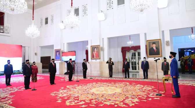 Presiden Jokowi Lantik 9 Anggota Kompolnas Masa Bakti 2020—2024