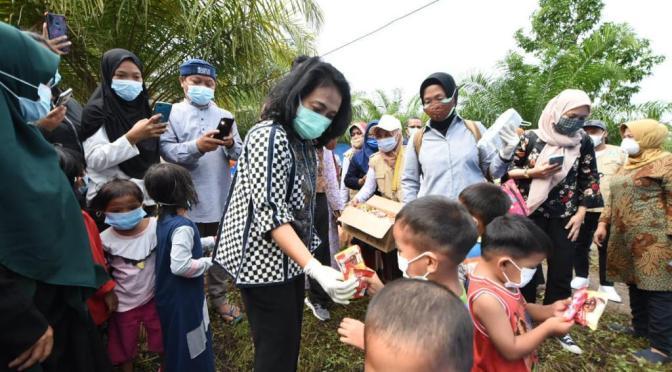 Gotong Royong Bantu Kebutuhan Spesifik Perempuan dan Anak Korban Gempa