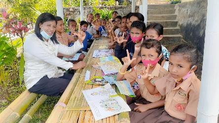 Taman Baca Nain Blon Lalan Dading, Gerakan Literasi di SDK Watupedar