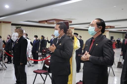 Lantik Pejabat Lingkup Setda NTT, Wagub Nae Soi : Kita Adalah Pelayan