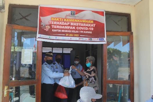 Kemenkumham NTT Peduli & Berbagi di Oepoli—Batas Negara RI & Timor Leste