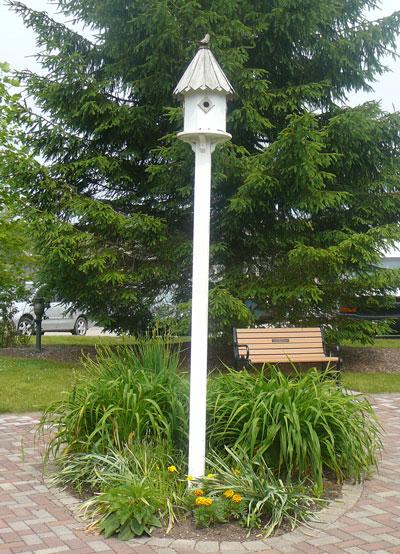 Town Hill Adele's Bird House Garden