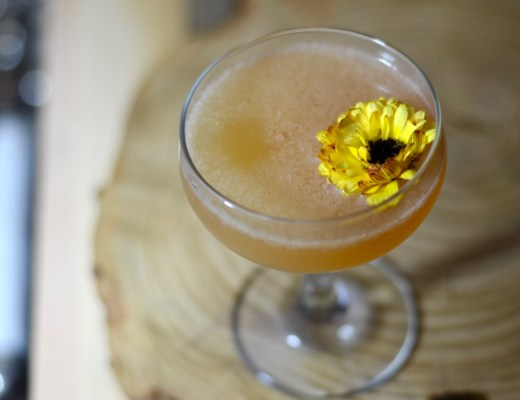 chamomile martini with gin and honey and pomelo
