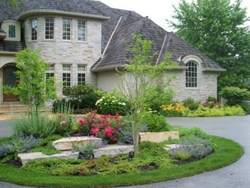 17 Best Ideas About Circle Driveway Landscaping On Pinterest in Landscaping Ideas For Front Yard Circle Drive