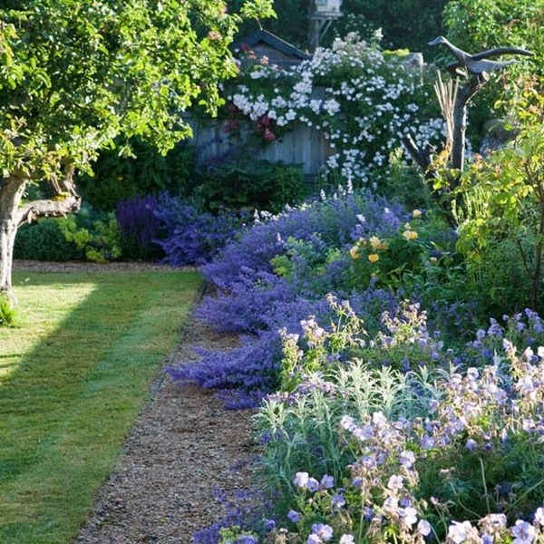 25+ Best Ideas About Country Garden Decorations On Pinterest inside Country Garden Ideas For Small Gardens