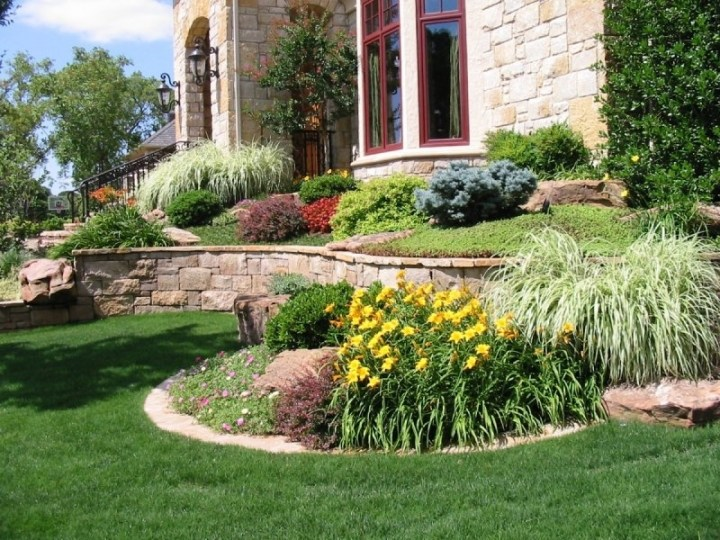 Corner Landscape Ideas | Simple Hit Home Design Ideas within Landscaping Ideas Front Yard Corner Block
