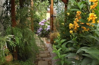 25+ Best Side Yard Landscaping Ideas On Pinterest   Simple with regard to Landscaping Ideas For A Small Side Yard