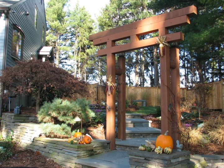 Japanese Arbor Idea - Blue Stone Walkway With Japanese Garden inside Zen Garden Gate Design
