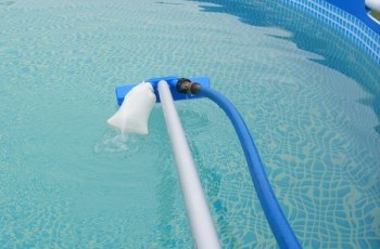 Homemade Hand Held Swimming Pool Pool Vacuum Cleaners inside Garden Hose Pool Vacuum