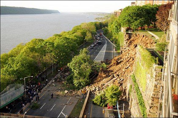 manhattan wall collapse