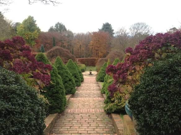 Cloudehill garden in autumn