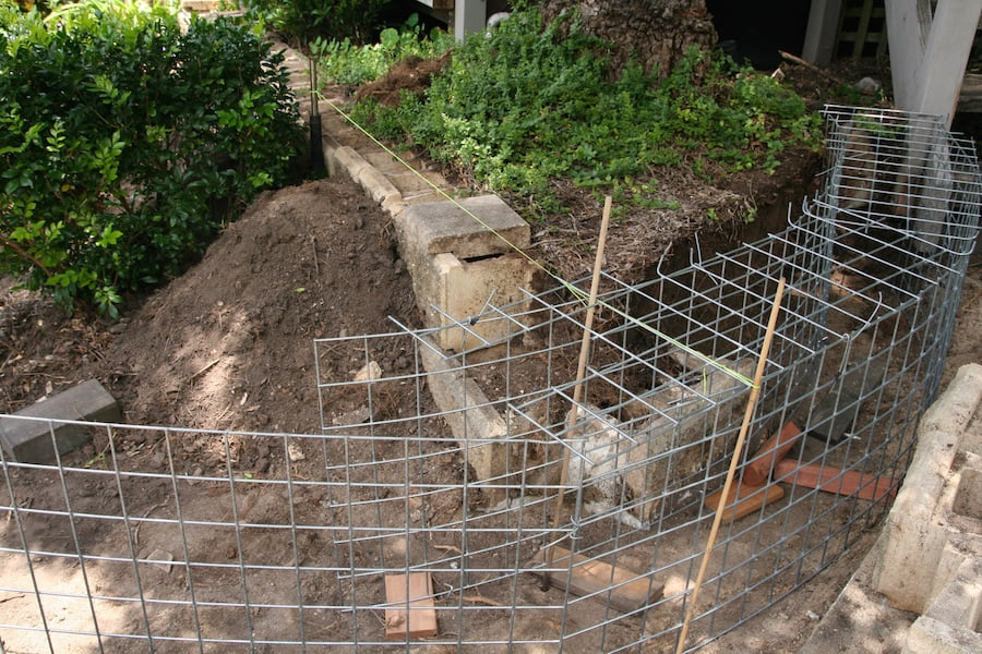 Wire Mesh Rock Retaining Wall