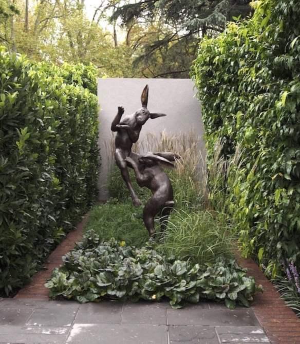 Bronze sculpture 'Dancing Hares' by Christian Maas in The Greenery Garden, Design Vivid Design, MIFGS 2016