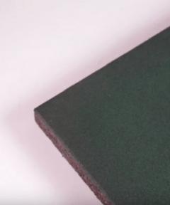 losetas de caucho negras-caucho-pavimento-infantil-verde-jardines-parques