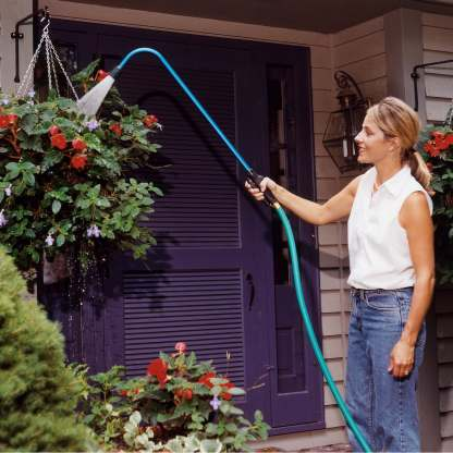 Dramm Touch-N-Flow Pro Hanging-Basket-Wandwith 170PL Water Breaker