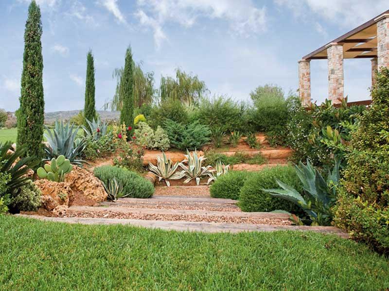 Μεγάλος κήπος στο Μαρκόπουλο