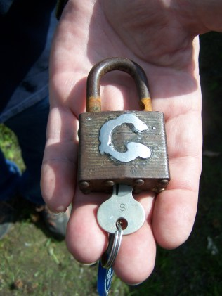 Welded G for Glenn on padlock