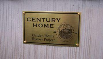 Century Home plaque on Kaplan Miner home