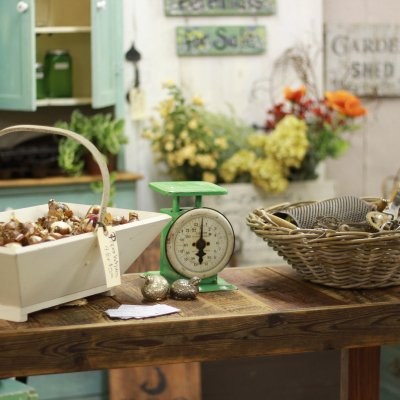 Ideas for Styling an Antique Booth
