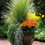 40 Beautiful Container Flower Garden Ideas (22)