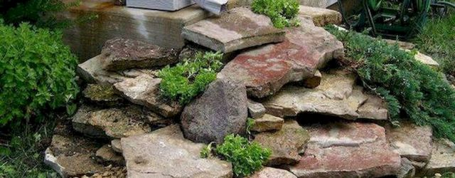 40 Beautiful Front Yard Rock Garden Landscaping Ideas (27)