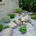40 Beautiful Front Yard Rock Garden Landscaping Ideas (37)