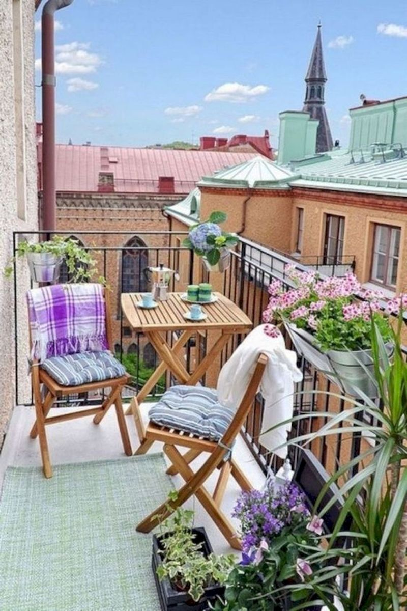 70 Awesome Small Garden Ideas for Apartment (34)
