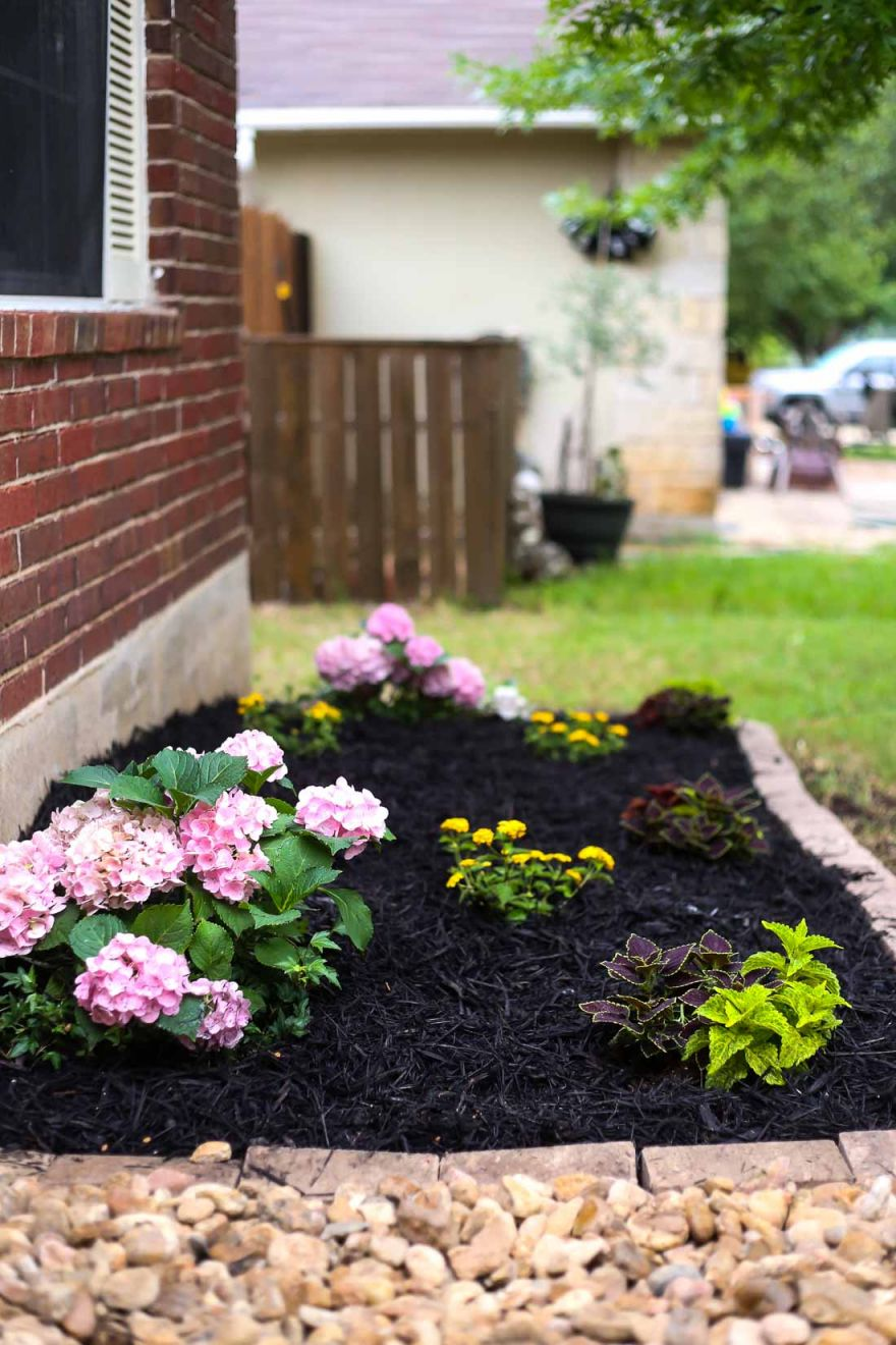 Beautiful Flower Bed Designs For Front Of House