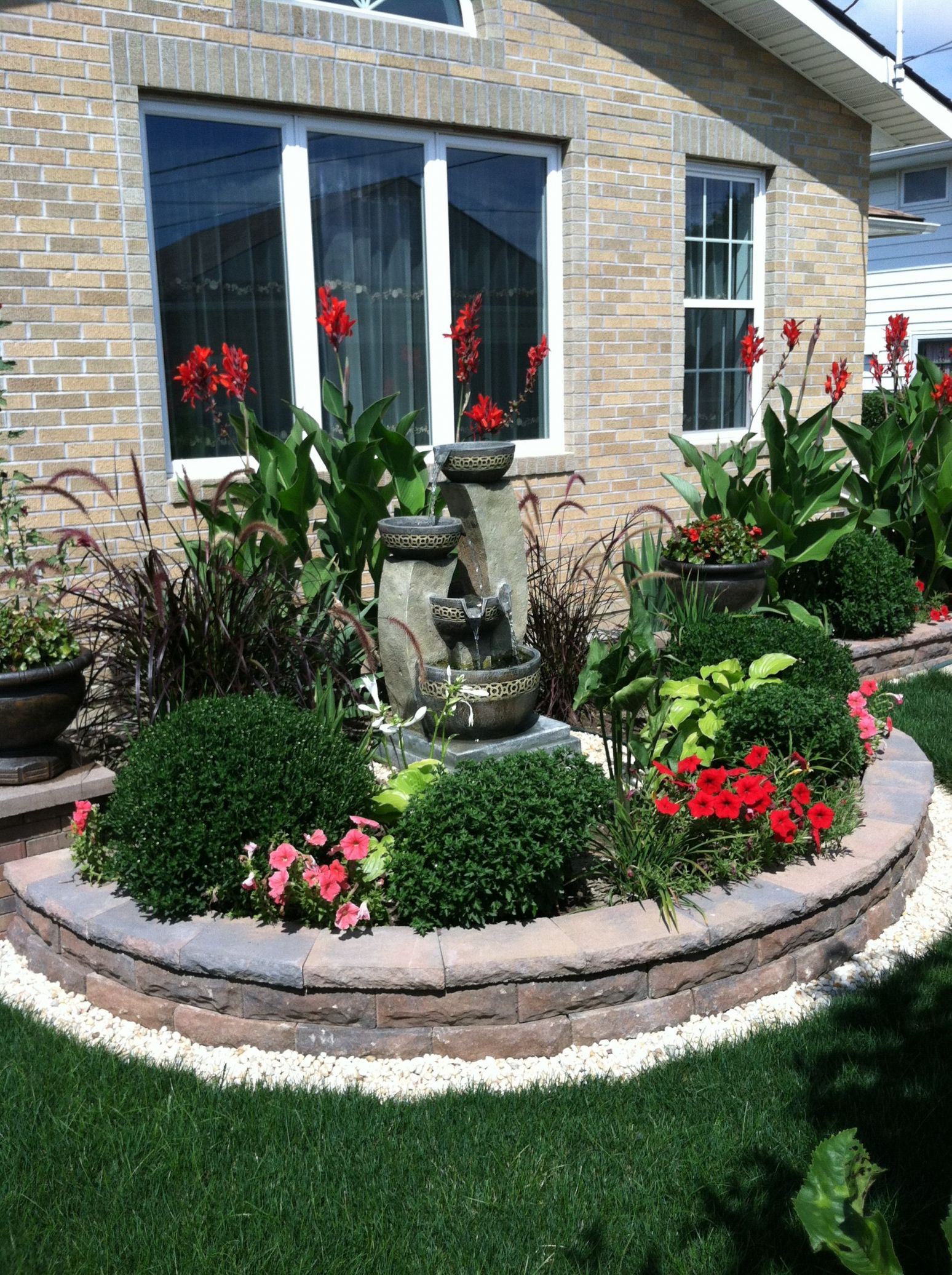 Beautiful Front Yard Landscaping Ideas With Fountains