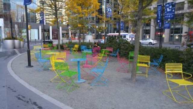 1479198078687-dilworth-park-seating