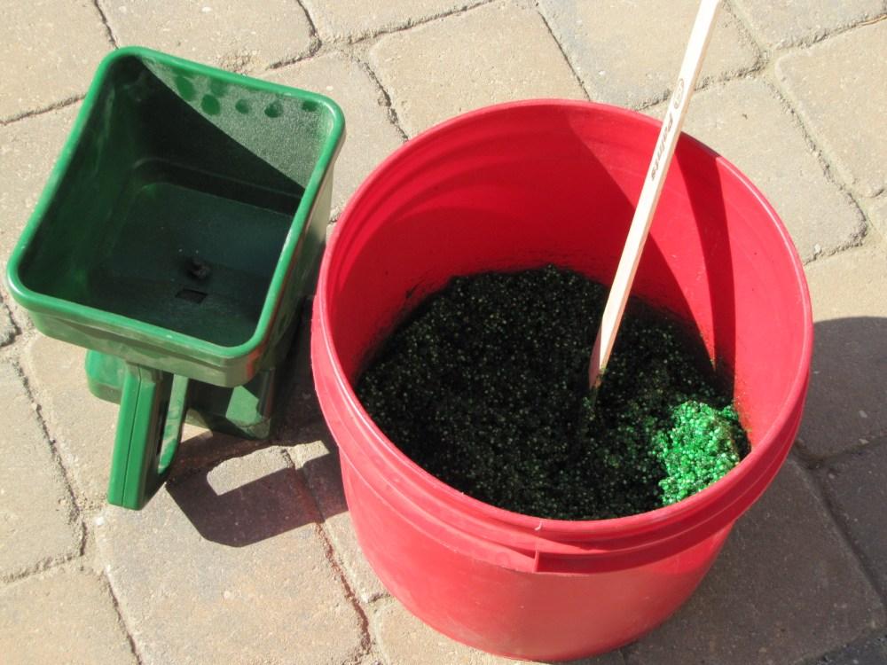 Homemade Grass Paint (3/6)