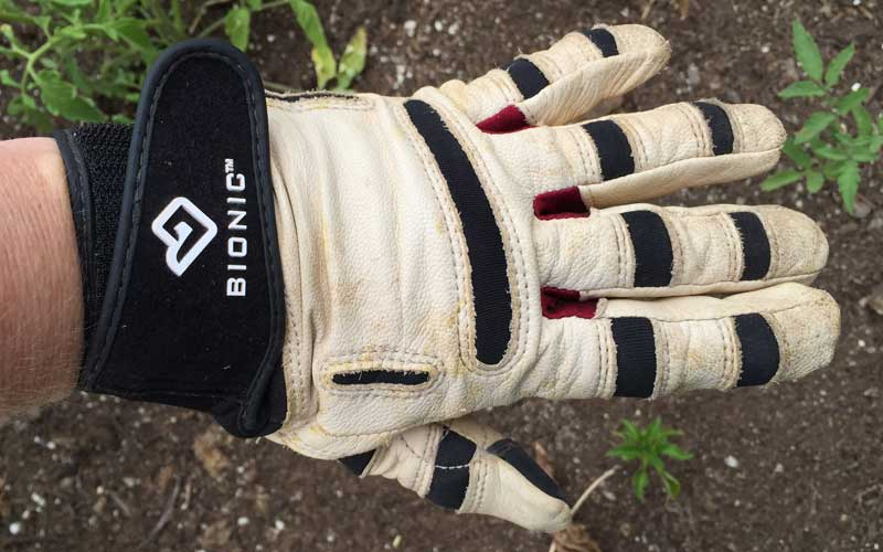 flex zones on Bionic ReliefGrip garden gloves