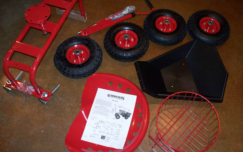 Gardeners Supply tractor scoot ready to assemble
