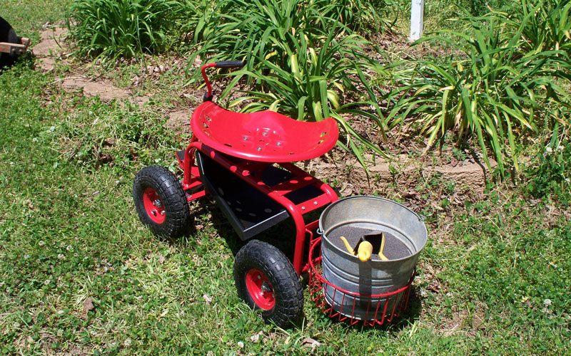 Gardeners Supply tractor scoot ready to start
