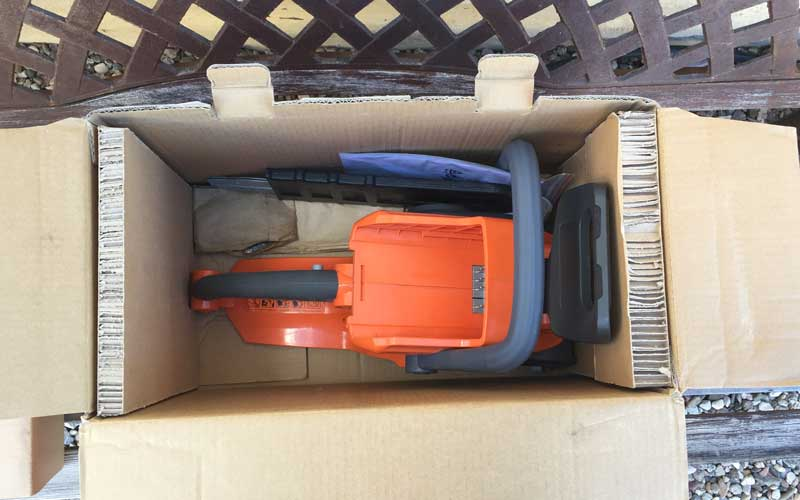Redback-Chainsaw-Packaging
