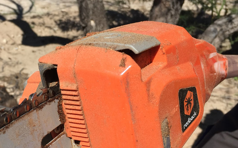 Redback Chainsaw Pole Pruner oiler cap diplacement